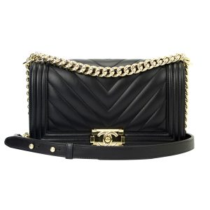 CHANEL Old Medium Boy Chevron Black Lambskin Champagne Gold Hardware 2017